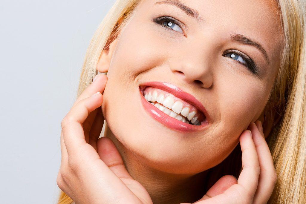 https://tuncurrydentalcare.com.au/wp-content/uploads/2021/04/teeth-whitening-dentalia-demo-1-1-1024x683-2.jpg
